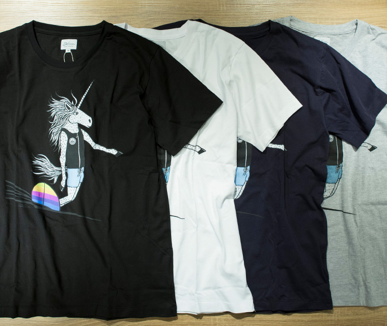SURFING UNICORN T